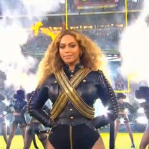 2016-02-09 09_34_11-Beyonce & Bruno Mars - Formation Super Bowl 2016 Halftime Show on Vimeo