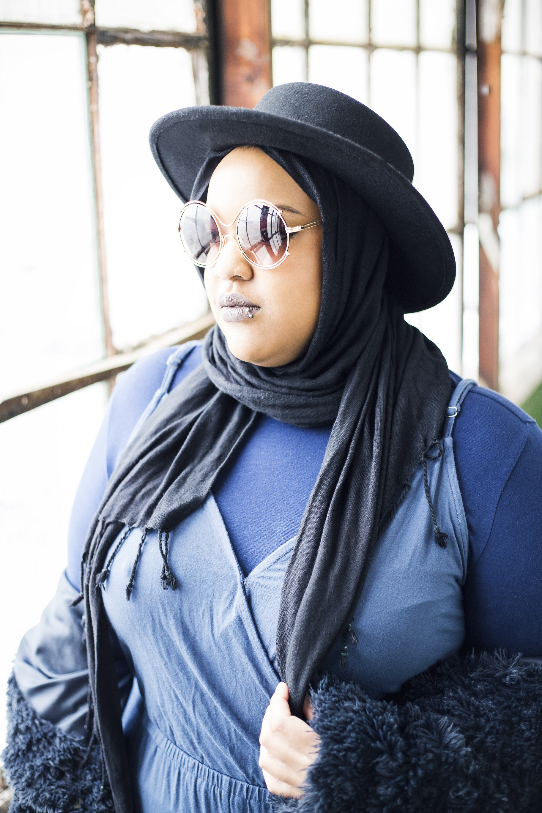 Leah-Vernon-body-positive-plus-size-muslim-girl-model-3