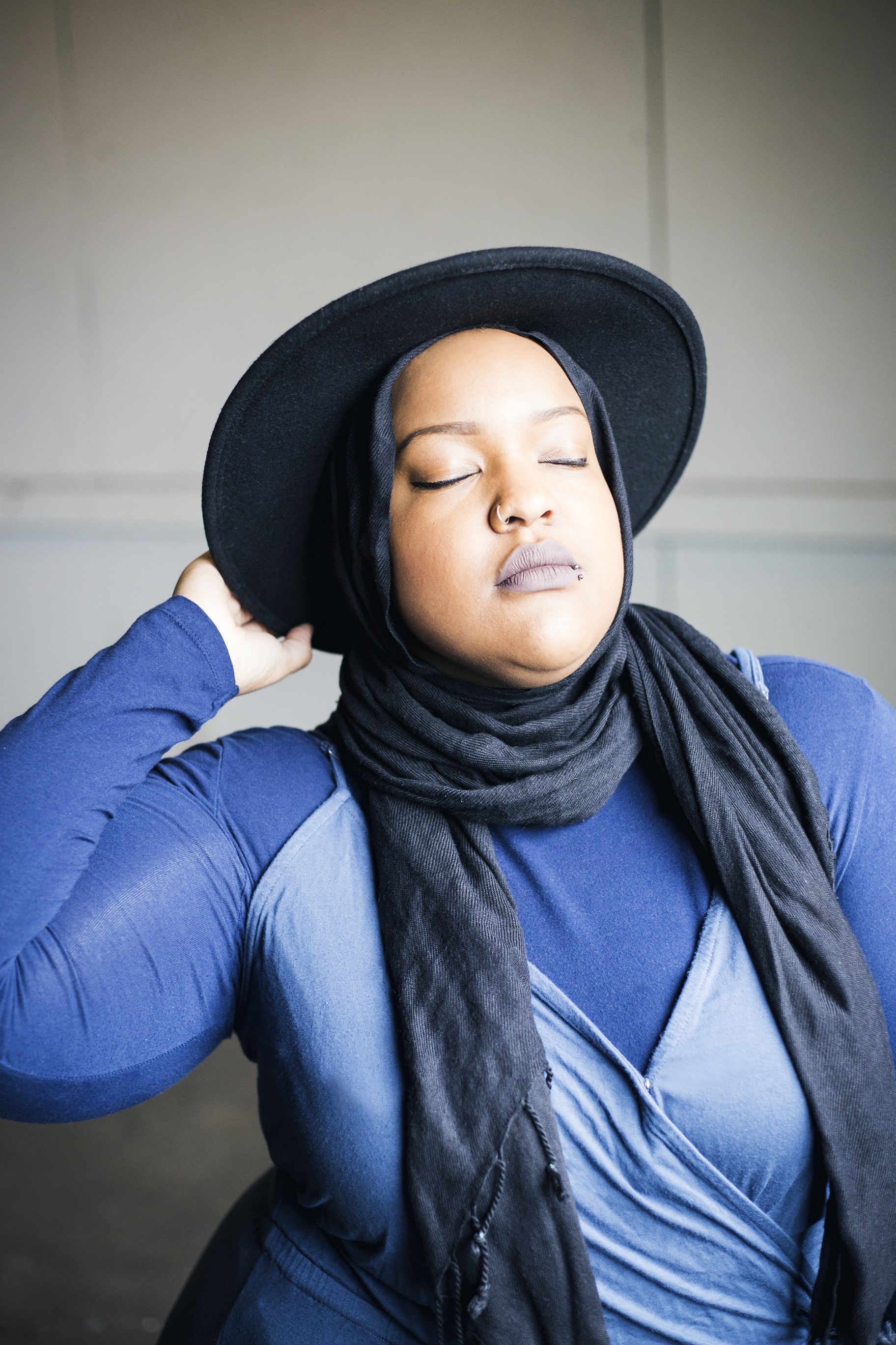 Leah-Vernon-body-positive-plus-size-muslim-girl-model-5